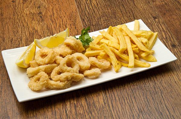 Calamares Fritos con Patatas